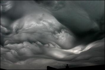 Lenticular mammatus clouds