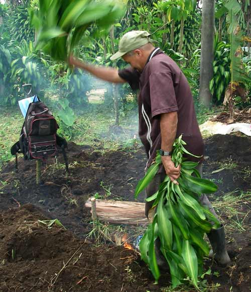 Fanning the flame. Costa Rica, 7-10-06 � natasha