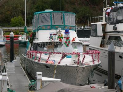 christmas-boat.JPG